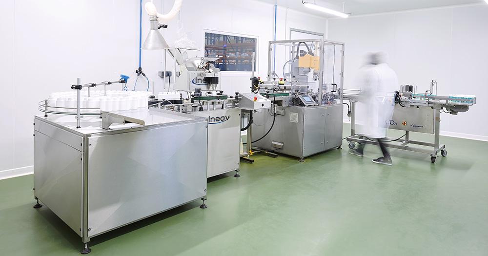 Nos équipements nous permettent de disposer d'une grande flexibilité concernant la taille des séries que nous souhaitons fabriquer - de la petite à la grande série depuis plus de 30 ans - Prophar Laboratoire
